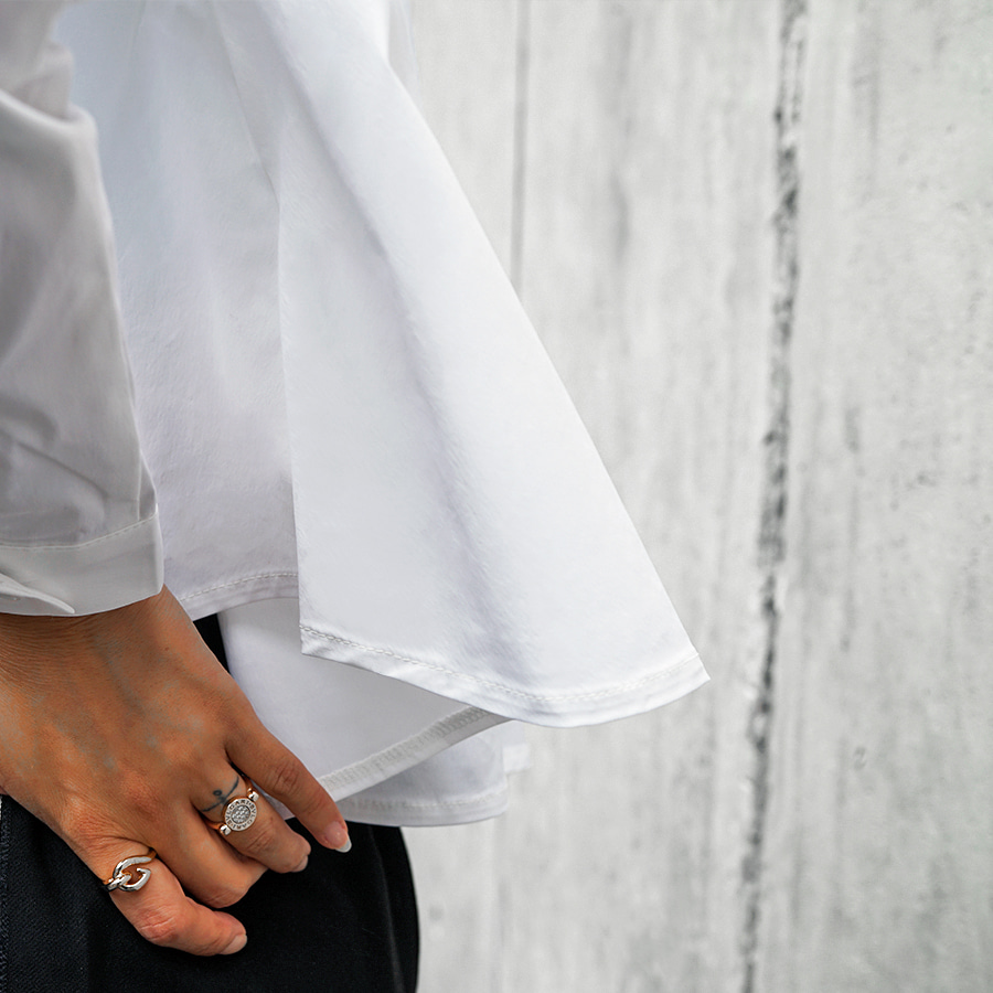 [케임어폰] A Lined Crop Shirts_White